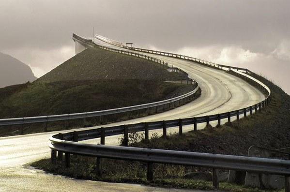 Август фото мост в никуда 2 фото