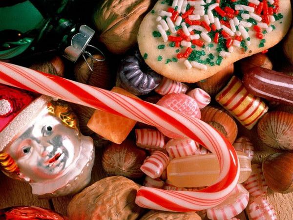 2007 год свиньи праздничный стол: