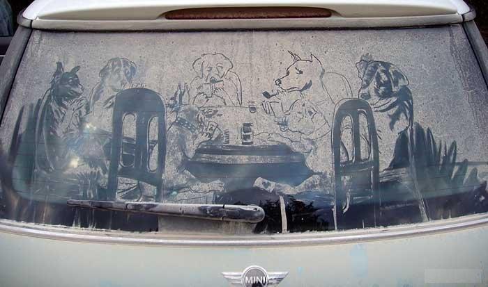 Рисунки на пыльных стеклах