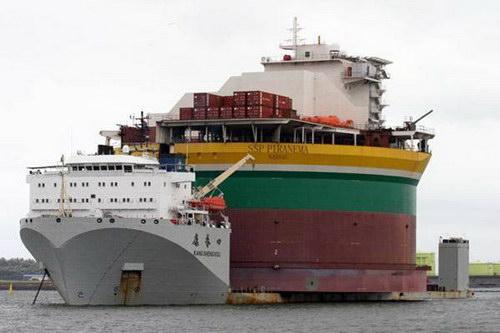 Транспорт :: Корабль для перевозки кораблей фото 5