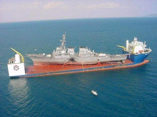 Транспорт :: Корабль для перевозки кораблей фото 7
