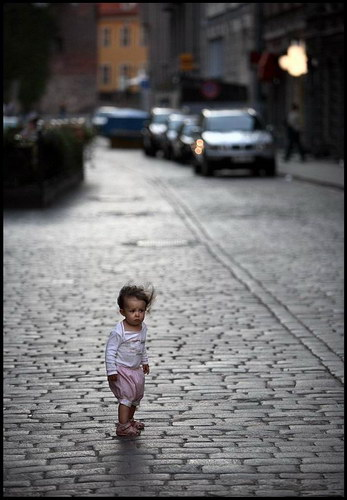 http://basik.ru/images/child_on_the_street/short.jpg
