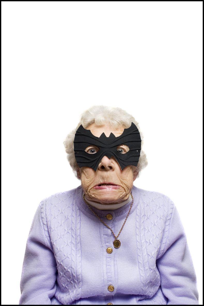 Выразить соболезнование, картинки бабка прикольные