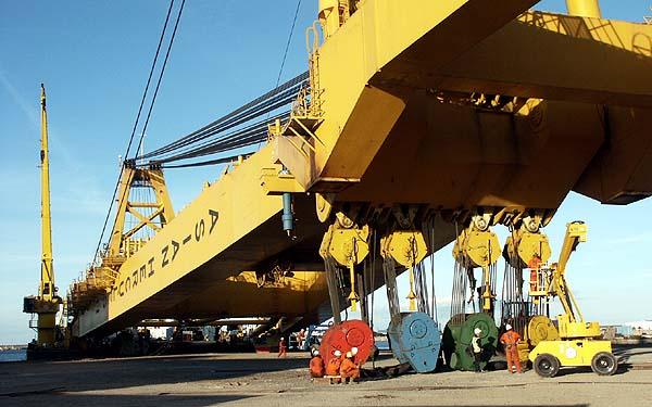 GRUES PORTUAIRES 22_largest_gantry_crane