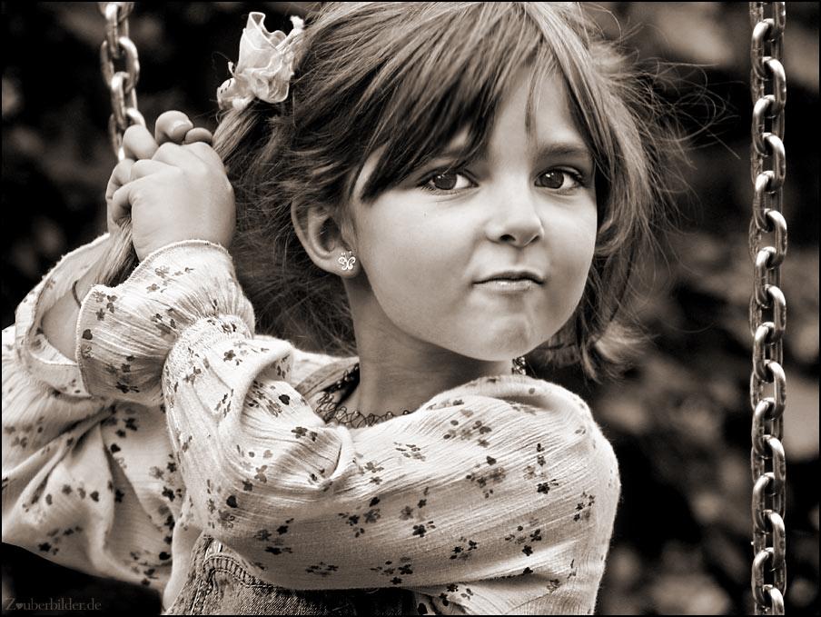 черно белые фото ребёнок