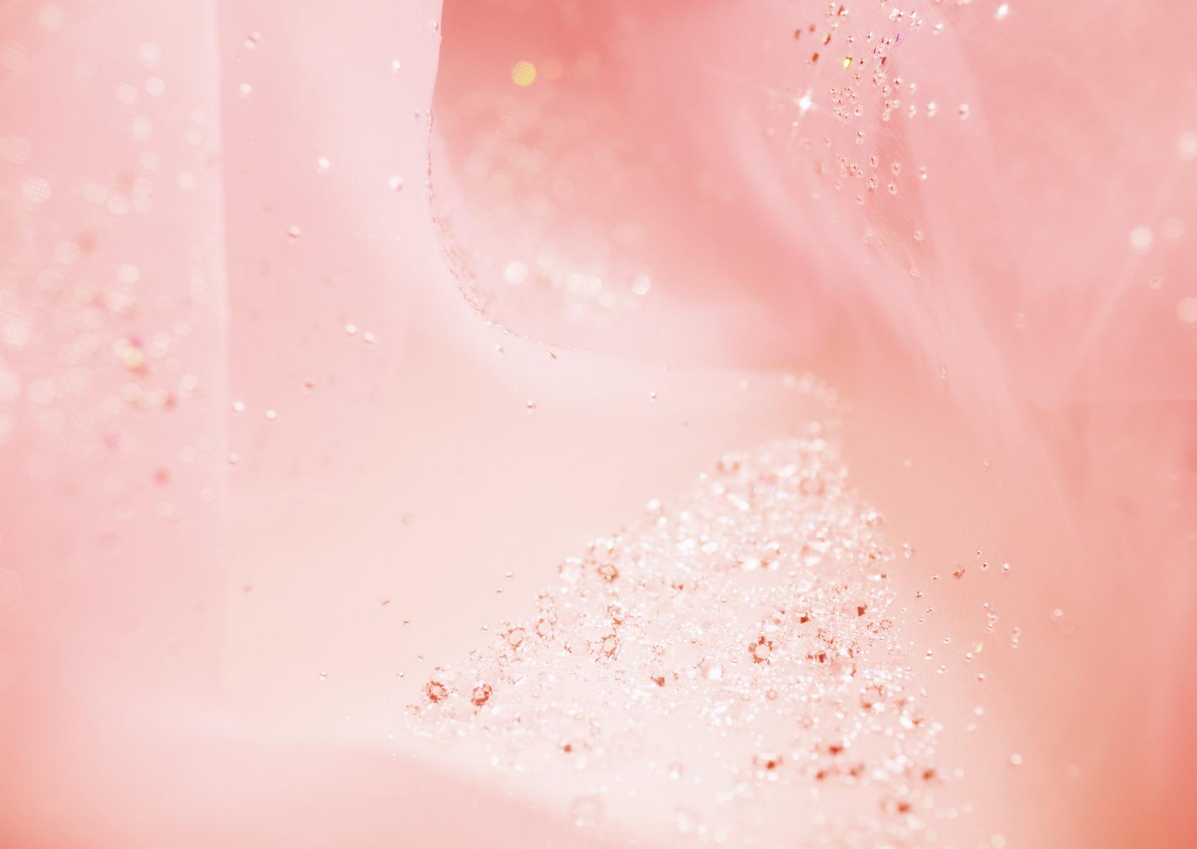 Цветы и драгоценности (обои 1680x1192)