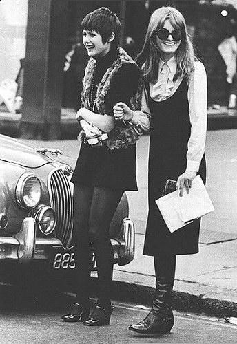 Историческое :: Красотки 60-х фото 4