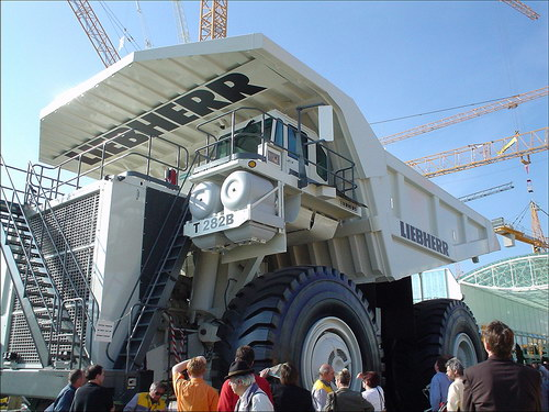 Транспорт :: Очень большие грузовики фото 0